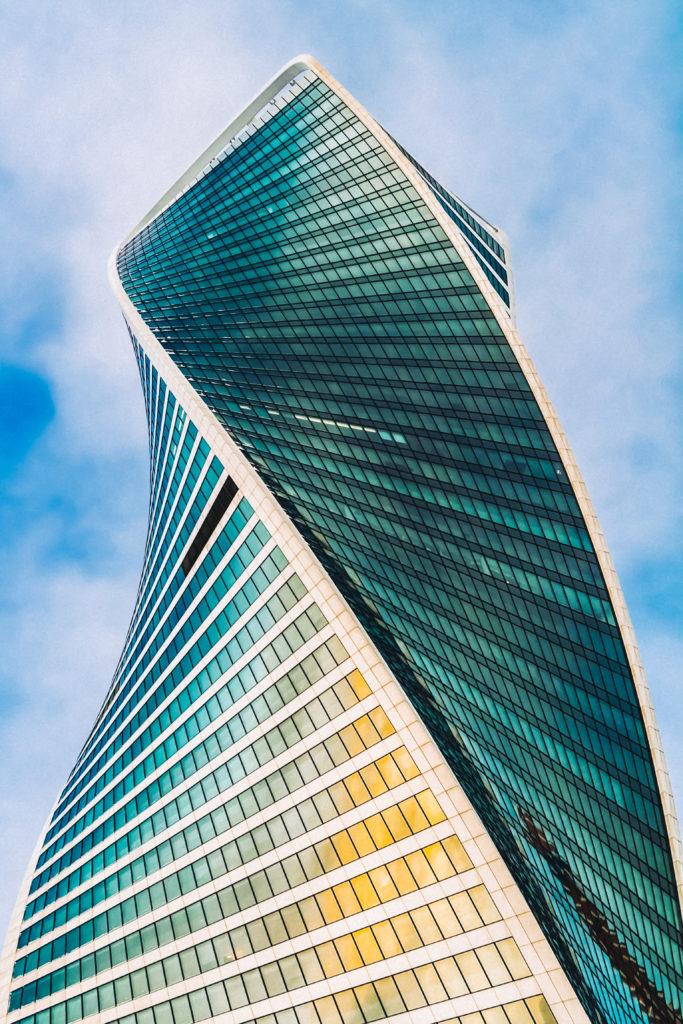 Комплекс Москва-Сити преуспел в самом главном – любыми средствами во что бы то ни стало выделиться из ландшафта / Вероника Цой