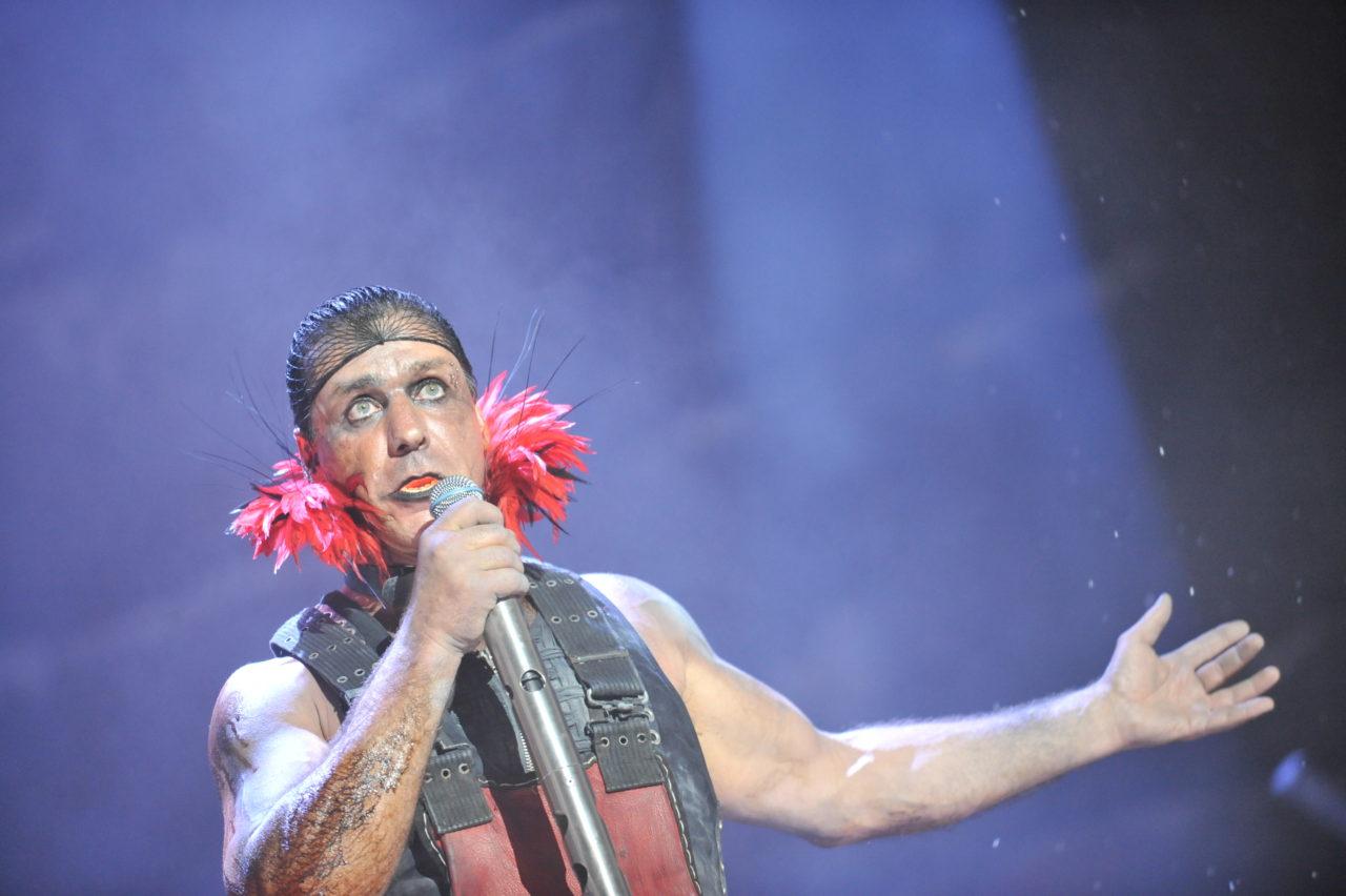 Масштабные сценические постановки сиспользованием пиротехники принесли группе Rammstein особое признание в среде индустриального панк-металла / Festival d'été de Québec
